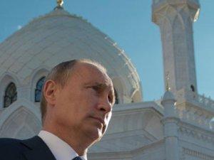 Putin sadece Türkiye'de Müslüman oldu!