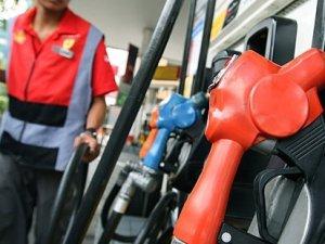 Benzin ve motorinin yarısından fazlası vergi!