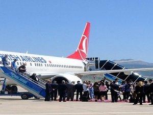 Adana'da uçakta bomba paniği