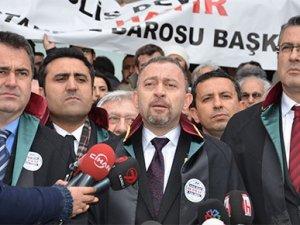 İstanbul Barosu başörtüsü için hakim karşısında