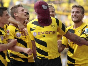 Borussia Dortmund'a boğa çarptı