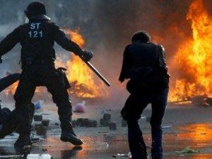 Avrupa Merkez Bankası'na protesto: 290 yaralı
