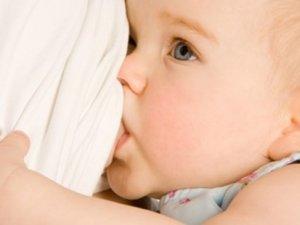 Uzun süre emzirilen bebekler daha zeki oluyor