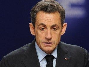 Fransa halkı Sarkozy'i yeniden istiyor