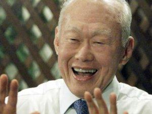 Singapur'un kurucusu Lee Kuan Yew öldü