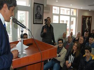 Karikatürlerle Türkiye'nin özetini anlatan aday: İbrahim Taşdelen