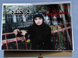 Afganistan'da görüşünü açıklayan kadın linç edildi