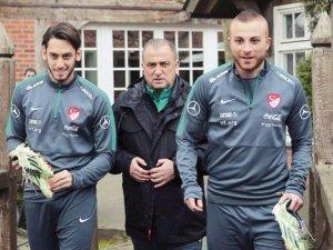 Hakan Çalhanoğlu ve Gökhan Töre küskünlüğe çalım attı!