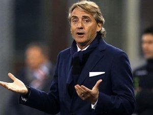 Mancini pes etti!