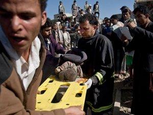 İran'dan Yemen operasyonuna tepki
