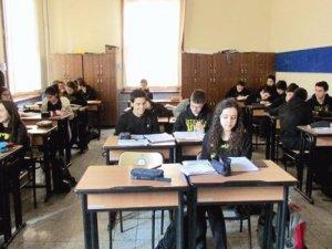 Kısır döngü: Şimdi de okullar dershaneye dönüşüyor