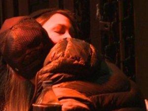 Gupse Özay öpüşürken yakalandı