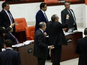 CHP önerdi Ak Parti kabul etti, Meclis'te tartışma çıktı