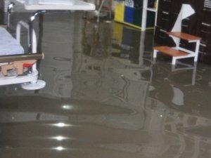 Birecik Devlet Hastanesi'nin acil servisini su bastı!