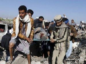 Suudi Arabistan Yemen'de bulunan mülteci kampını vurdu