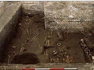 13 ile 15. yüzyıldan kalma 1300 iskelet buldular