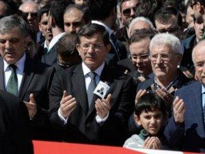 Hürriyet'ten Davutoğlu'na sert tepki
