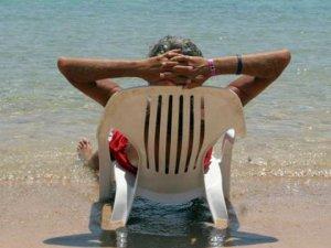 Ucuz paket tatiller deri kanseri vakalarını artırdı