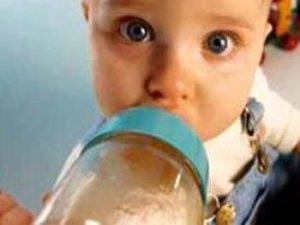 Anne sütü diye inek sütü içirmeyin!