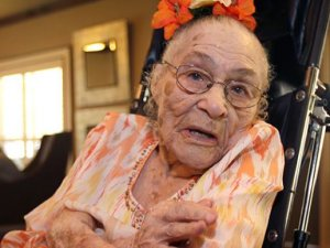 Dünyanın en yaşlı insanı ünvanını alan Amerikalı, hayatını kaybetti