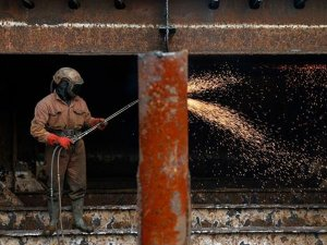 Sanayi üretiminde sürpriz artış