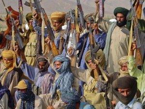 Pakistan'da işçilere silahlı saldırı