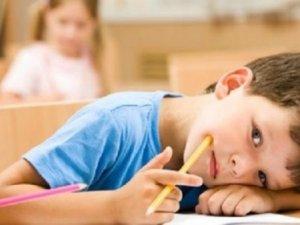 B12 eksikliği çocukların başarısını düşürüyor