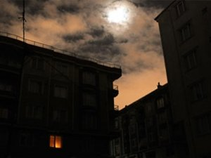İstanbul dün akşam karanlığa gömüldü
