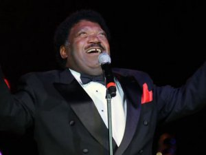Efsane şarkıcı Percy Seldge hayatını kaybetti