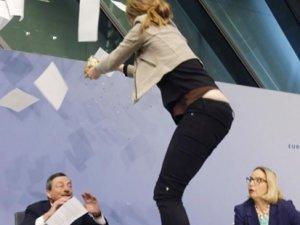 Avrupa Merkez Bankası Başkanı'na konfetili saldırı