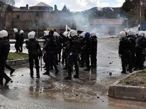 Siirt'te kayıp iki kız polislerin evinden çıktı