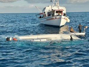 Libya açıklarında göçmen gemisi battı
