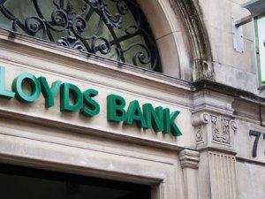 Cameron, Lloyds Bank hisselerinin satışını planlıyor
