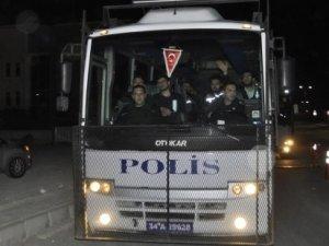 Yolsuzlukları araştıran polislerden 17'si tutuklandı