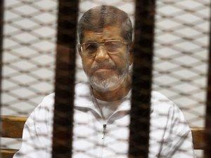 Mursi'ye 20 yıl hapis cezası