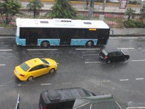 İstanbul'a dolu yağdı!