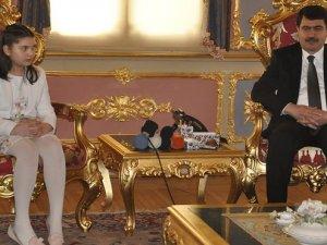 İstanbul Valisi koltuğunu devretmedi