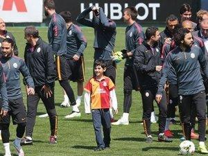"""Galatasaray'da """"Kiraz"""" sürprizi"""