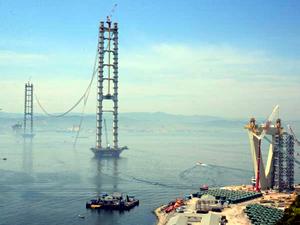 Körfez köprüsünde kopan halatları Japonya'dan gelecek ekip sökecek