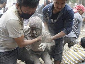 7.9'luk Deprem Nepal'i yıktı!