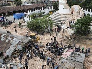 Nepal'de ölü sayısı 10 bini bulabilir