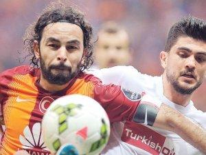 Galatasaray'ın sambacısı Gaziantep'in futboluna gönderme yaptı