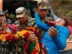 Nepal'de felaket üstüne felaket: 250 kişiden haber alınamıyor