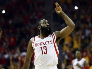 Rockets, Mavericks'i evinde yendi ve işi bitirdi