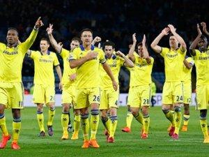Drogba ateşledi Chelsea üçledi!