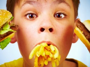 Obez çocukların sayısı 3 kat arttı