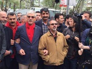 DİSK Genel Başkanı Kani Beko: İşçileri taşıyan otobüs şoförleri tehdit ediliyor