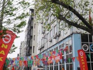Şişli camisinde 1 Mayıs pankartı
