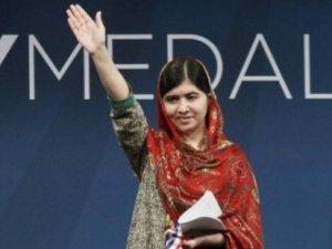 Malala'ya saldıran 10 Taliban üyesine müebbet