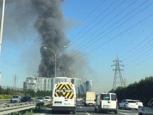 İstanbul'da inşaat halindeki otelde yangın!